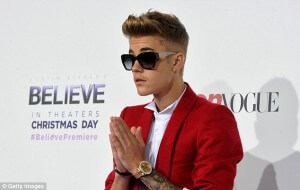 1407233618610_wps_11_Singer_Justin_Bieber_arri